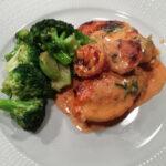 Kycklinggratäng med spenat och tomat