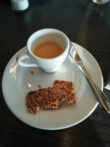 En kaffekopp fisksoppa